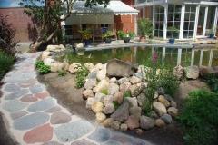Natursteine-Bepflasterung
